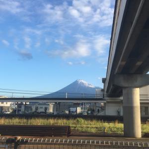 今朝の富士山  雪化粧