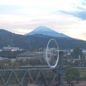 今朝の富士山  清水駅と吉原駅