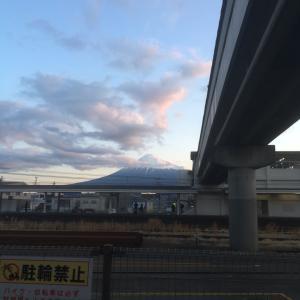 吉原駅からの富士山・朝と夕方