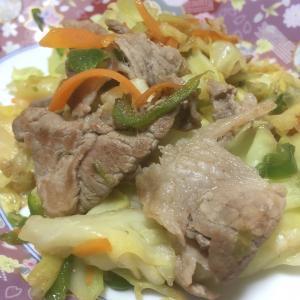 おっさんの独り晩飯 肉野菜炒めと豚汁風味噌汁とあさりご飯