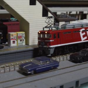 【模型紹介】054 EF81-95号機 ~「ど派手な文字」が入った、レインボー塗装機~