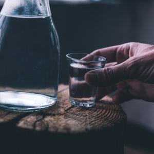 孤独とアルコール依存症には深い関係があります!