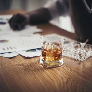 コロナ禍でアルコール依存症になる方が増えています!