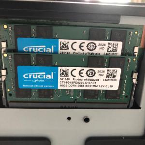 富士通 27型ワイド デスクトップパソコン 〈ESPRIMO WF2/C3〉のメモリを交換した。