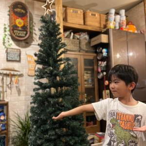 自宅でクリスマスツリーを飾りましょう