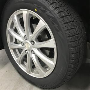 車の冬支度 スタッドレスタイヤはディーラーがオススメ?
