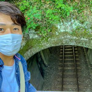 鶴嘴山へ神岡町から新宮間を抜けるトンネル。