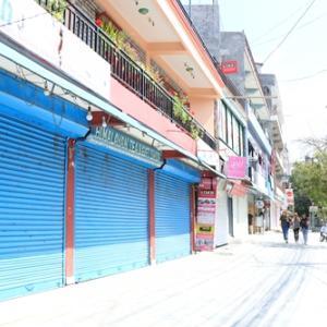 ネパール、ロックダウン開始|ある日突然、街がシャッター街になる
