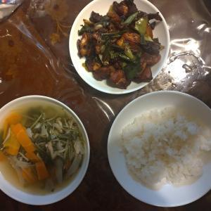 昨日の夕食は、再び鶏肉をポン酢で炒めたやつ!