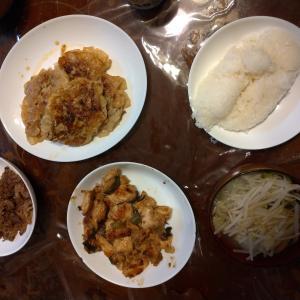 昨日の夕食、最近俺の中で定番になりつつあるポン酢で鶏肉を炒めるやつ。