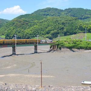 キロシ47形 或る列車 at 長崎本線