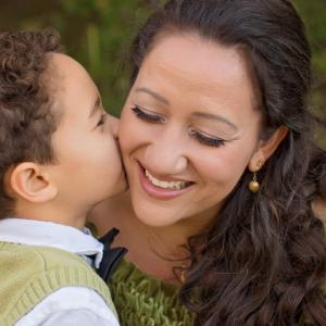 年の差カップルはなぜ母親に反対されるのか