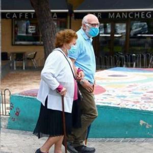 スペイン、新型コロナ感染者70万人突破 マドリード中心に再拡大続く