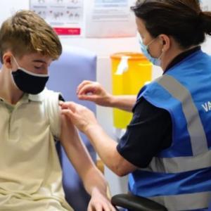 子供へのワクチン接種、対象年齢や優先順位は 各国の状況を比較  BBCニュース 9月14日