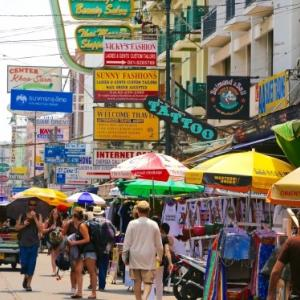 バンコクで日本語が通じる薬局情報!|お土産用におすすめは?