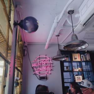 イテウォンはカフェだけじゃない♡ミートボール有名店♡