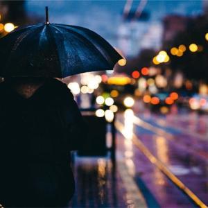 雨嫌いの雨男