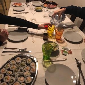 海外で寿司を作る方法/come cucinare il sushi/how to make sushi