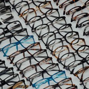 眼鏡と顔の間には特別な気流が発生している