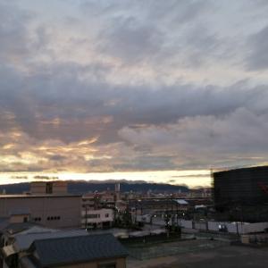 妖しい空模様