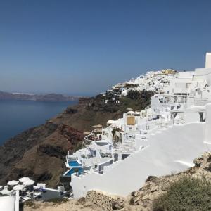 【ギリシャ編③】ホテルからフィラまでの絶景散歩とまだまだ続く最上級のおもてなし