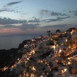 【ギリシャ編】イア?フィラ?どこに泊まるべき?サントリーニ島の各エリアの特徴まとめ