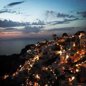 【ギリシャ編⑫】サントリーニ島最後の夜はやっぱり夕日を観に行くの巻