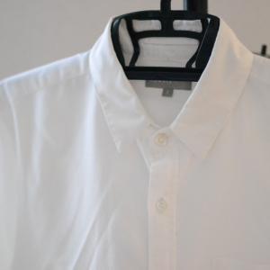 ふわり、マーガレット・ハウエルの白シャツ