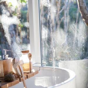 お風呂上がりに真水をかぶってます女性は長風呂注意。