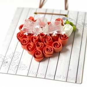 気分が上がるバラのハートの壁飾り作りませんか?