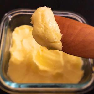 10分ちょっとで作る自家製バター