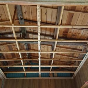 屋根裏の構造を見る~空き家リノベーション#9【母屋前】