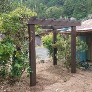 パーゴラ移設(組立編)~空き家リノベーション#12【ガーデン作り】