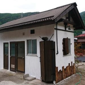 小屋装飾とドアノブ交換~空き家リノベーション#53【サニタリー棟】