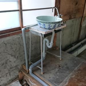 麻雀パイをタイルにした手洗場【給排水もDIYでつなげて見ました】