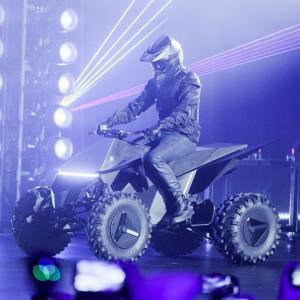 ● テスラ サイバートラック、専用の電動ATVを市販設定する予定