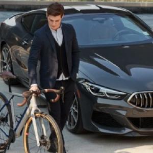 ● イタリアン・テイストのラグジュアリーな新型BMWが登場! 実はグラベル用ロードバイク