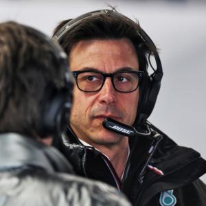 ● メルセデスF1代表 トト・ウォルフがアストンマーティンの株主に「移籍はない」とチームが明言!