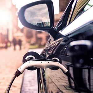 ● BMWの試み、PHV車を電動車専用ゾーンで「EVモード」に自動切り替え 今夏から欧州で