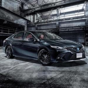 ● トヨタが上級HVサルーンの「カムリ」を一部改良、併せて誕生40周年を記念した特別仕様車を発売