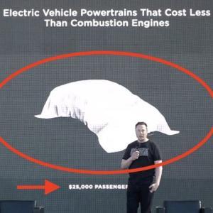 ● マスクCEOがテスラの新型EVを25000ドルで発売すると発表し、業界に波紋