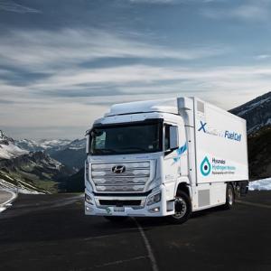 ● 燃料電池トラック、ヒュンダイ エクシェント が登場! 環境配慮の量産大型車で世界初