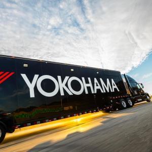 ● 東京オートサロン2021 横浜ゴム、ADVAN装着「スープラ」や「GRヤリス」を展示!