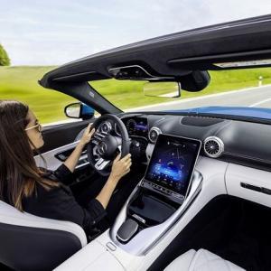 ● メルセデス・ベンツ 本年度フルモデルチェンジ予定のAMG新型「SL」のインテリアを公開