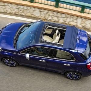 ● フィアット500X、ロールバック式布製トップ仕様の「ドルチェヴィータ」英国発表