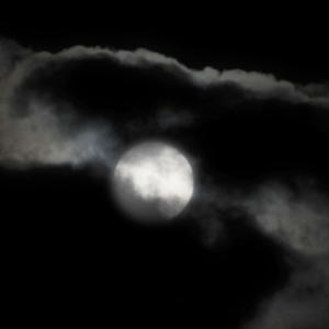 防犯カメラが夜になると白黒映像になる理由