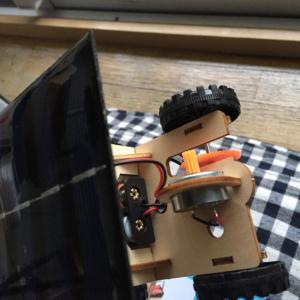 ソーラーパネルで動く車のおもちゃを作ってみた