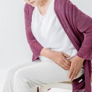 変形性股関節症、右ひざ痛み