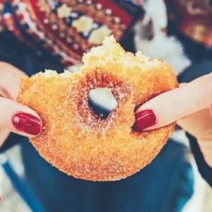 ダイエット中お腹がすいたら我慢する方へ【満足度高めヘルシーおやつ】