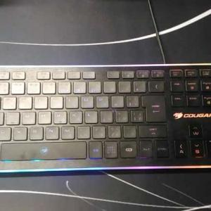 COUGARのゲーミングキーボード『VANTAR』は薄くて使いやすい! ノートパソコンの様な薄いキーボードを探している人必見!